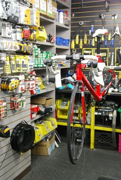 Boutique Bicycles Quilicot Montréal Bike Store, Shop Ideas, Twin, Bicycle, Boutique, Atelier, Bike, Bicycle Kick, Bicycles