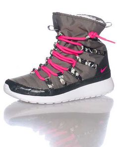 #FashionVault #Nike #Girls #Footwear - Check this : NIKE GIRLS Green Footwear / Boots 4Y for $39.95 USD