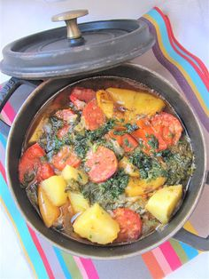 Cooking from here and from ISCA: Potatoes with chorizo & spinach Chorizo, Pomme Darphin, Midweek Meals, French Food, Paella, Spinach, Curry, Potatoes, Cooking