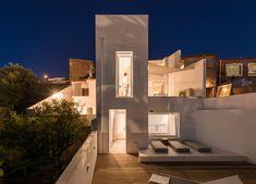 Studio Arte, Algarve Portugal, Architecture, Interior Design and Art Algarve, Silves Portugal, Open Plan Bathrooms, Portugal Vacation, Townhouse Interior, 1950s House, Concrete Stairs, Location Saisonnière, Relax