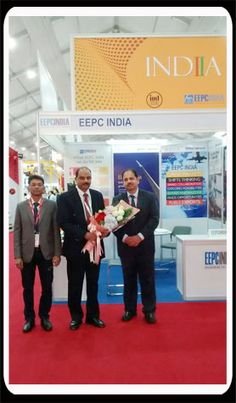 Dignitaries in the EEPC INDIA stall