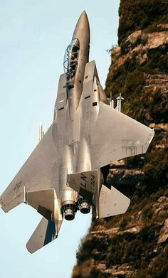 Unusual view of a fighter jet with a cliff to the side of it. Military Jets, Military Weapons, Military Aircraft, Airplane Fighter, Fighter Aircraft, Air Fighter, Fighter Jets, Foto Picture, Muscle Cars