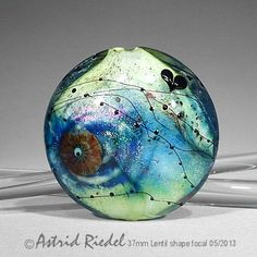 Astrid Riedel is a true lamp work artist! I love her beads.