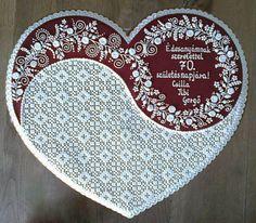 Christmas Hearts, Christmas Cookies, Royal Icing Cookies, Sugar Cookies, Hungarian Cookies, Gingerbread House Designs, Wedding Cookies, Edible Art, Cookies Et Biscuits