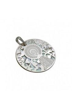 6a5c2134030a Medalla exclusiva De Bussy Virgen del Pilar en plata de ley y diamante.  Tamaño