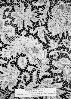 Flemish bobbin lace, part of a flounce. Detail. Late 17th or early 18th century.