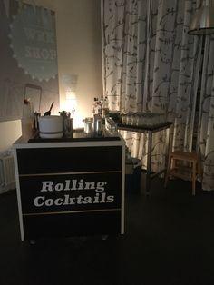 Rolling cocktails, het concept waarbij de cocktailbar naar de gast komt in plaats van de gast naar de bar. Www.shakecocktailservice.nl