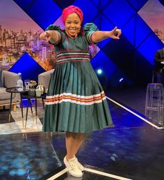 """Dr Winnie Mashaba on Instagram: """"I see you wanna smile but you holding it back 😂😂😂 Smile Fam it's Friday 😉😉👌👌 Link to my new album digital stores 👇👇👇…"""" Sepedi Traditional Dresses, African Traditional Wedding, Best African Dresses, African Fashion Dresses, Xhosa Attire, African Design, Wedding Goals, Wrap Style, Friday"""