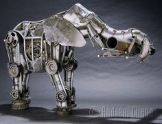 American artist Andrew Chase is the man behind this impressive collection of animal-inspired steampunk sculptures made from recycled metal. Metal Tree Wall Art, Scrap Metal Art, Steampunk Design, Steampunk Diy, Elephant Sculpture, Sculpture Art, Steampunk Fashion Women, Steampunk Animals, Sacred Geometry