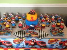Ideas de Cumpleaños Fiesta Blaze the Monster Machine Blaze Birthday Cake, 3rd Birthday Cakes, Birthday Themes For Boys, Fourth Birthday, 4th Birthday Parties, Birthday Party Decorations, Birthday Ideas, Race Car Party, Monster Truck Birthday