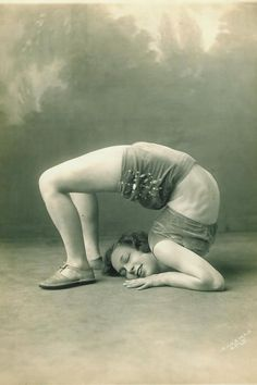 virginia gerschwin, contortionist amazing vintage photographs posted by her granddaughter on Steller Old Circus, Circus Art, Night Circus, Circus Theme, Circus Acrobat, Circus Train, Vintage Circus Photos, Vintage Photographs, Circus Pictures