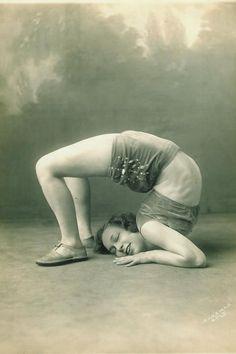 Virginia Gerschwin, contortionist