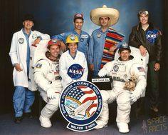 Los 13 latinos que conquistaron el espacio #cosmos #órbita #cosmonauta… http://www.cubanos.guru/los-13-latinos-que-conquistaron-el-espacio/