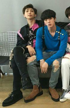 NamJin look so loud in here. Namjin, Bts Jin, Bts Bangtan Boy, Rapmon, K Pop, Bts Memes, Les Bts, Worldwide Handsome, Bts Group