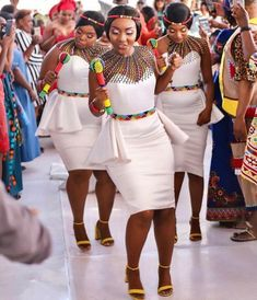 African Nigeria Bridesmaid Dress With a Style and Fashion Twist African Print Wedding Dress, African Bridesmaid Dresses, African Wedding Attire, African Attire, African Wear, African Weddings, Zulu Traditional Wedding Dresses, Zulu Traditional Attire, South African Traditional Dresses