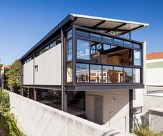 Steel Frame House, Steel House, Steel Building Homes, Building A House, Steel Structure Buildings, Rustic Loft, House On Stilts, Concrete Houses, Container House Design