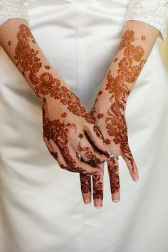 Henna Mehndi bride