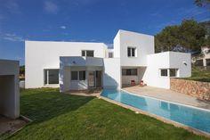 Casa entre los Pinos by Ignacio Romera Gonzalo,  Menorca, Spain - 2010