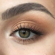 Classic brown eyes - - Classic brown eyes Beauty Makeup Hacks Ideas Wedding Makeup Looks for Women Makeup Tips Prom Makeup ideas Cut Natural Makeup Halloween Makeup and More. Makeup Inspo, Makeup Inspiration, Makeup Tips, Makeup Ideas, Makeup Set, Makeup Tutorials, Makeup Basics, Ball Makeup, Makeup Designs