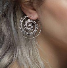 Gold And Silver Earrings Hoops Refferal: 3332662259 Indian Jewelry Earrings, Fancy Jewellery, Jewelry Design Earrings, Tribal Earrings, Ear Jewelry, Tribal Jewelry, Silver Hoop Earrings, Cute Jewelry, Silver Jewelry