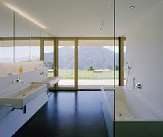 A little sterile but I would take the view/tub any day!