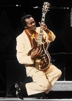 The inventor of Rock 'n Roll guitar. The first true superstar guitarist to the genre. Rock Roll, Rock N Roll Music, 60s Music, Music Pics, Blues Artists, Music Artists, Elvis Presley, Chuck Berry, Hollywood