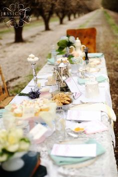 Alice in Wonderland themes table for drinks reception