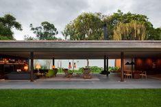 V4 House (3)Cuando adentro es afuera y afuera es adentro y todo todo, es lo mismo