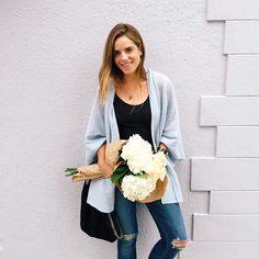 Quick flower run before the weekend #casualfridays #hydrangeas #roses #tgif - Julia Engel (Gal Meets Glam) (@juliahengel)