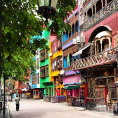 The beautiful colours of Lahore's Fort Road Food Street.  Photo submitted by saad Salman Khan  #lahore #pakistan #foodstreet #fortroad #travel #nofilter #world #traveldiaries #photography #photojournalism #etribune #aroundtheworldwithetribune #tourism