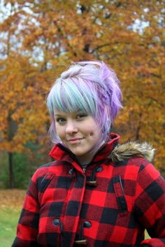 First off all, Kaylah's hair dying tips and tricks work. If you ever want to dye your hair a bright color, go here first for awesome instructions.    This is SO PRETTY.