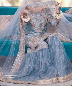Nikkah Dress, Shadi Dresses, Pakistani Formal Dresses, Pakistani Fashion Party Wear, Pakistani Wedding Outfits, Pakistani Wedding Dresses, Pakistani Dress Design, Pakistani Mehndi Dress, Lehnga Dress