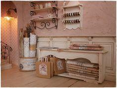 Shabby Dollhouse studio