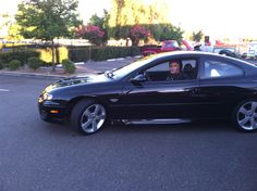 2006 GTO - Rick leaving the Thursday night event at Hooters