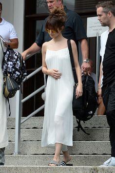 wholesale dealer bf904 60bc0 Selena Gomezs 8 Best Affordable Fast Fashion Looks  Teen Vogue Selena  Gomez Outfits, Selena