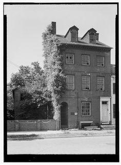 Dr. James Craik House (Murry-Craik House), Alexandria, Virginia. Built circa 1776 or 1790? Home of George Washington's physician