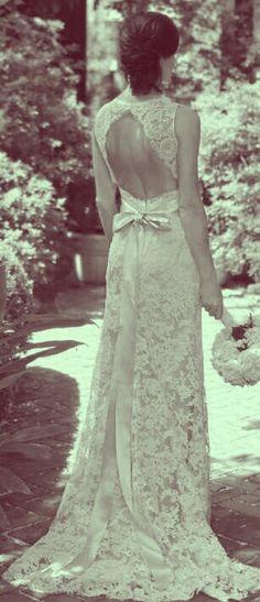 Vintage wedding dress....This would be just as beautiful today  #vintage #wedding ❘ The Yacht Club at Marina Shores @Matt Valk Chuah Yacht Club at Marina Shores #VirginiaBeach