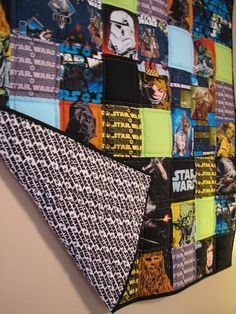 I finished the Star Wars quilt that I started last month ! Because this is a baby quilt, I decided to use Great Glory III Extra Loft Pol. Star Wars Quilt, Star Wars Fabric, Star Wars Baby, Quilting Projects, Sewing Projects, Sewing Ideas, Cadeau Star Wars, Baby Boys, Star Wars Zimmer