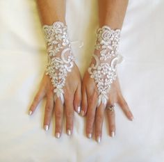 Lace glove free ship ivory wedding prom party by GlovesbyJ on Etsy, $25.00