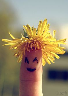 smiling hair by isabelle Funny Fingers, Finger Fun, Hybrid Art, Hand Embroidery Dress, Best Photo Poses, Humor Grafico, Finger Painting, Hand Art, Crossed Fingers