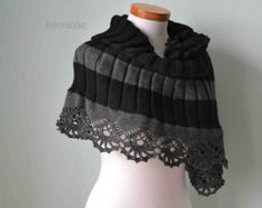 White cowl/capelet knitting/crochet pattern by BernioliesDesigns