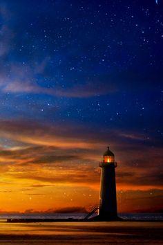 coiour-my-world:Lighthouse sunset