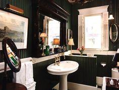 A Gentleman's Bathroom!
