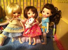 Amelia Thimble x 3. I love this doll, she is so tiny and cute.