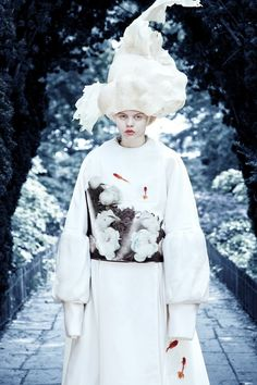 Dido Liu: A/W 2012 - Thisispaper Magazine Fashion Prints, Fashion Art, New Fashion, Editorial Fashion, Fashion Design, Motif Floral, Floral Prints, Traditional Kimono, Summer Kimono