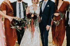 Moody bouquet and floral hoops from this autumnal Oregon wedding | Image by Baylee Dennis Photography