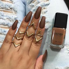 Coffin nails shape are like the ballerina shoes. Wanna try coffin nails this fall? Check out what kind of nailsart of coffin nails you like. Gorgeous Nails, Love Nails, How To Do Nails, Pretty Nails, My Nails, Dead Gorgeous, Uñas Color Cafe, Matte Nails, Acrylic Nails