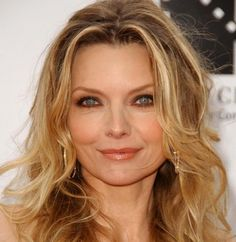 Michelle Pfeiffer - Michelle Marie Pfeiffer is an American actress. She made her film debut in 1980 in The Hollywood Knights, but first garnered mainstream attention with her breakout performance in Scarface Pfeiffer's greatest commercial suc Michelle Pfeiffer, Famous Vegans, Divas, Unwanted Hair, Hollywood Celebrities, Hollywood Icons, Aging Gracefully, Vegan Lifestyle, Going Vegan