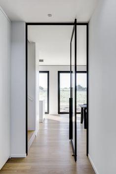 Dream House Interior, Home Interior Design, Interior Architecture, Bauhaus Interior, Modern Hallway, Steel Doors, Windows And Doors, Glass Door, Home Deco