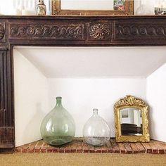 Une cheminée décorée